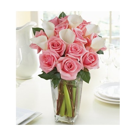 Pink roses with white Calla lilies